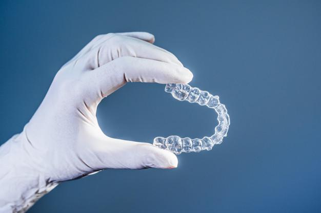 Niềng Răng Trong Suốt Invisalign Có Tốt Không? Liệu Có Phù Hợp Với Bạn 1