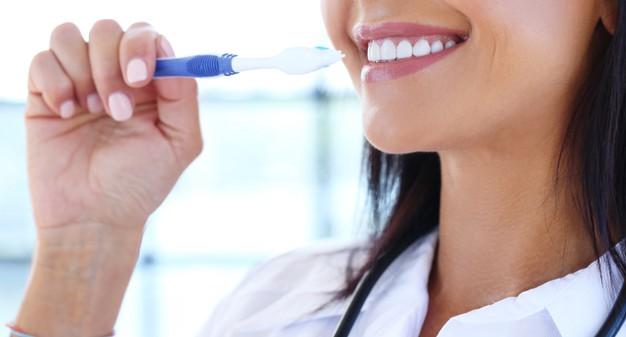 Niềng Răng Trong Suốt Invisalign Có Tốt Không? Liệu Có Phù Hợp Với Bạn 2