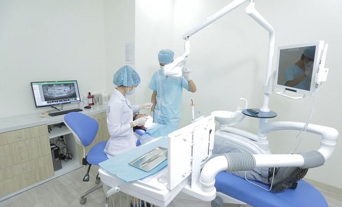 Cấy Ghép Implant Có Đau Không? Nha Khoa Quốc Tế Á Châu - ảnh 9