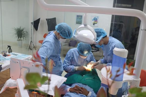 Trồng Răng Implant Toàn Hàm Giá Bao Nhiêu? – Nha Khoa Quốc Tế Á Châu - ảnh 8