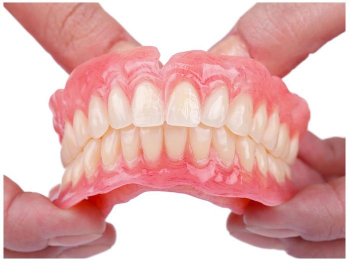 Có Nên Trồng Răng Không? Nên Trồng Răng Bằng Phương Pháp Nào? - ảnh 1